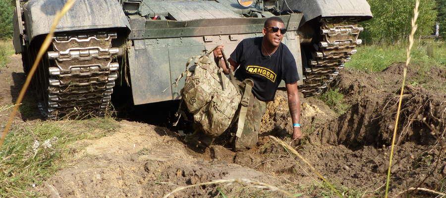 Międzynarodowy i wojskowy aspekt podkreślili swym udziałem żołnierze batalionu NATO