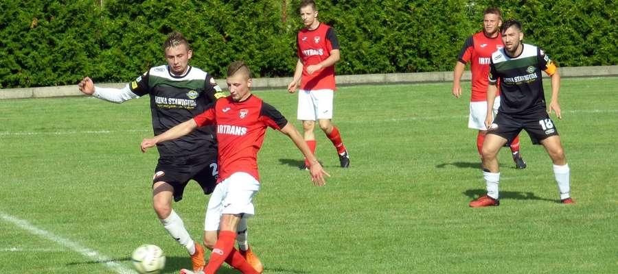 Rafał Wawrzyniak (przy piłce) zdobył pierwszego gola dla Startu Nidzica w nowym sezonie 2018/2019