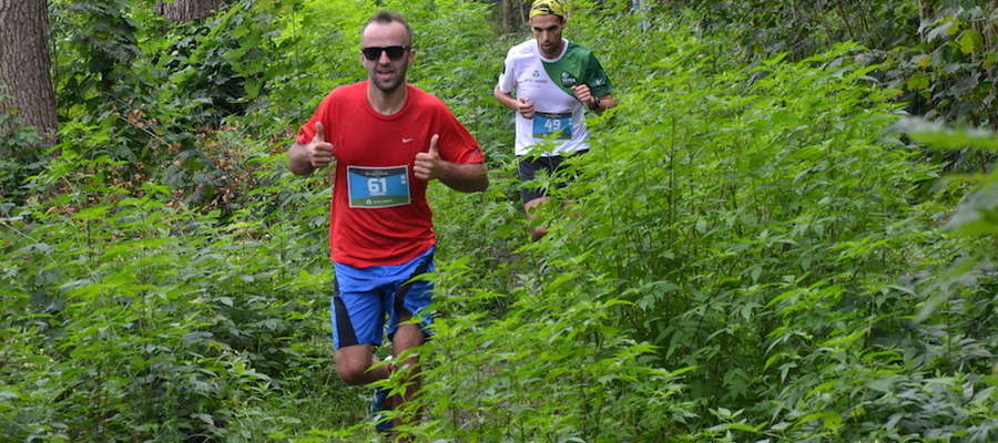 W różnych warunkach rywalizują biegacze podczas biegów Ultra Mazury