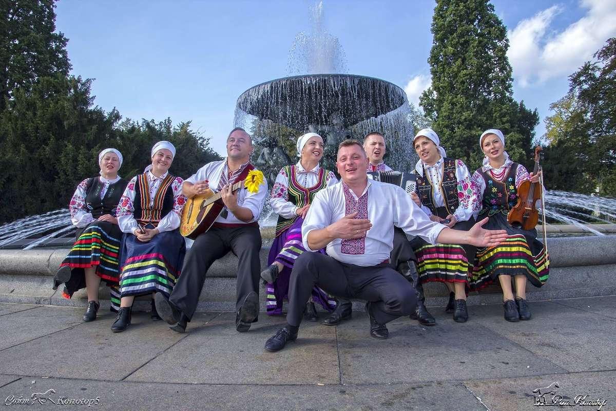 Morąscy Łemkowie od dwunastu lat  dzielą się  piosenką - full image