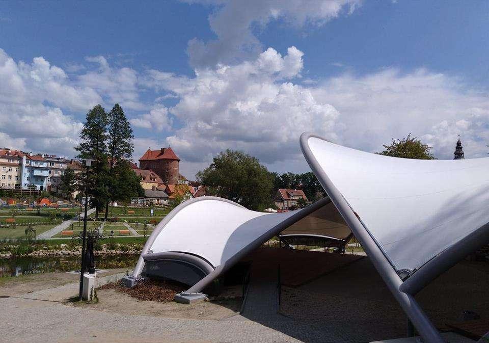 Scena plenerowa w Lidzbarku Warmińskim - full image