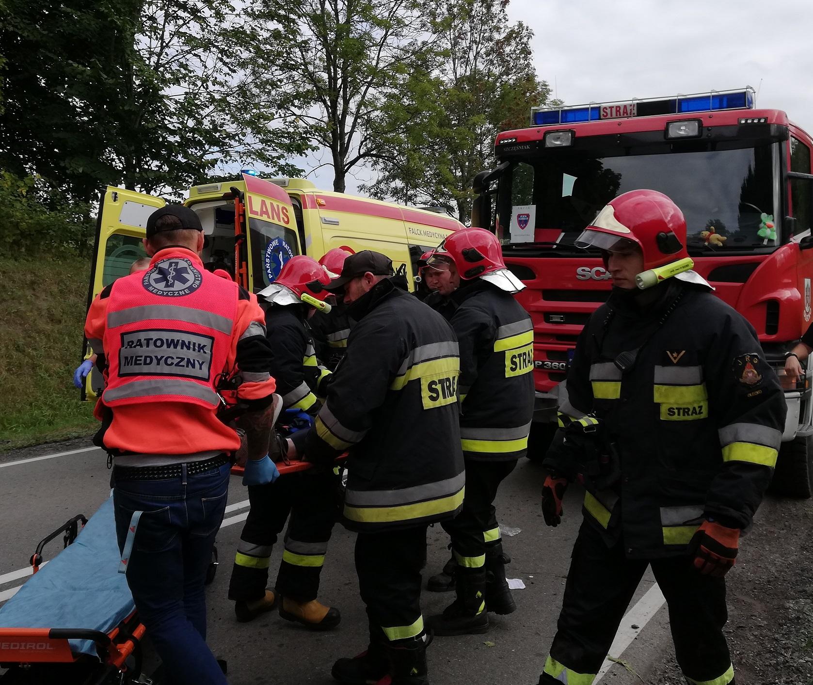 http://m.wm.pl/2018/09/orig/0000063984-wypadek-przytuly-14-09-18a-494107.jpg