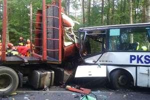 Dwie osoby nie żyją po wypadku na krajowej 16 pod Ostródą