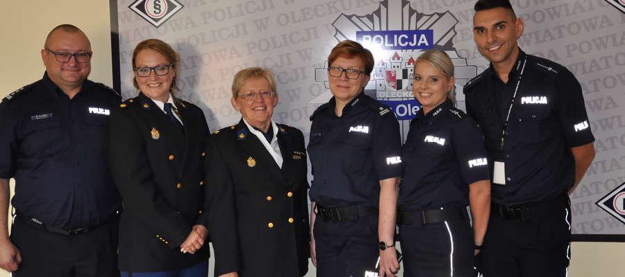 Goście z Holandii odwiedzili też olecką komendę policji i spotkali się z komendantem powiatowym Andrzejem Żylińskim (pierwszy z lewej)