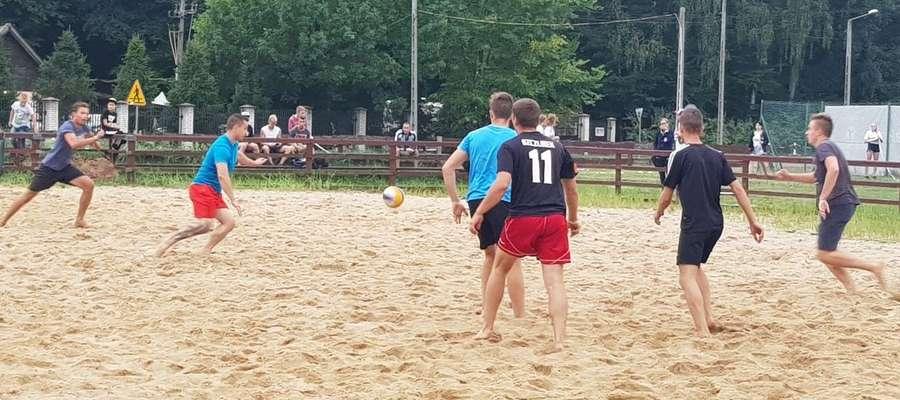 Tym razem na boiskach Hotelu Anders rządziła piłka nożna plażowa