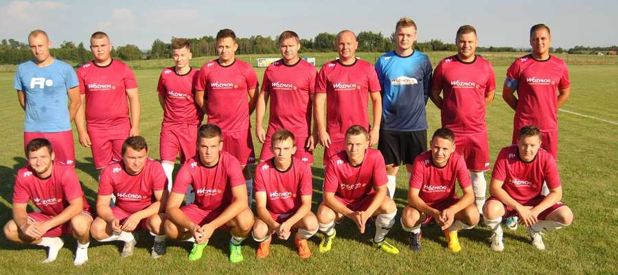 Piłkarze i trenerzy LZS-u Frednowy zapraszają na najbliższy mecz z Czarnymi Rudzienice