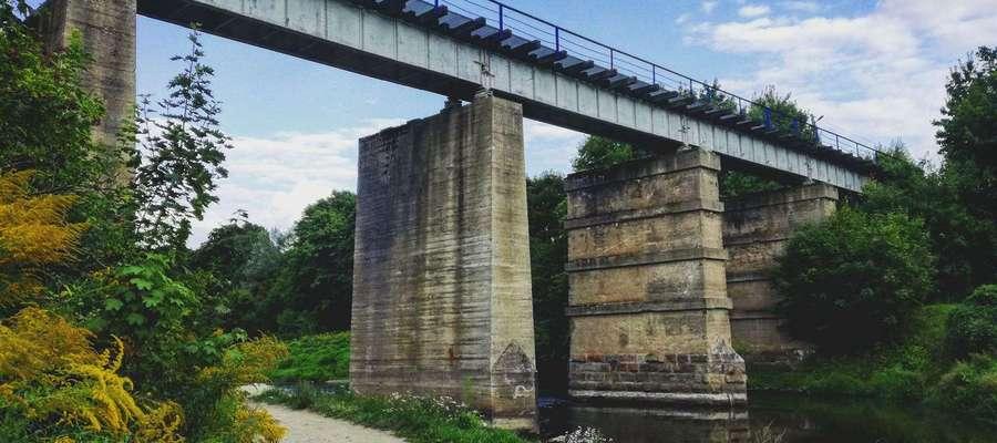Most kolejowy nad Łyną w Bartoszycach