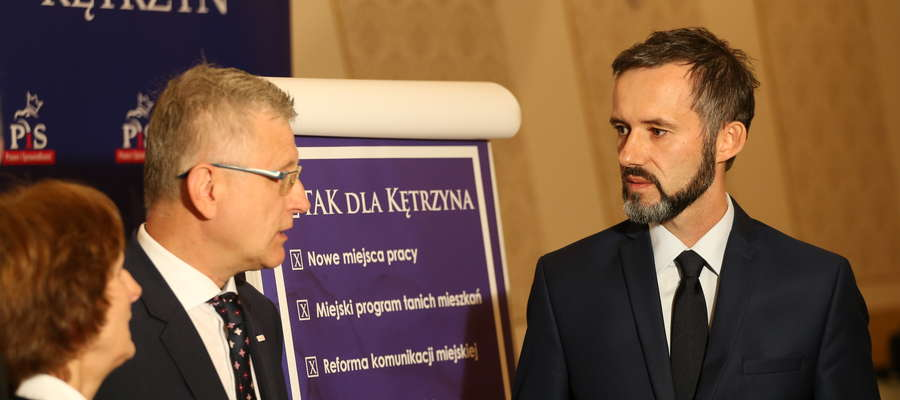 Rafał Rypina (z prawej) czekał z oficjalnymi informacjami do ostatniej chwili