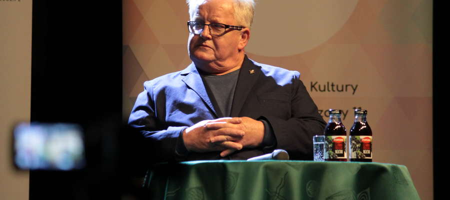 Wojciech Fortuna podczas spotkania w Bartoszyckim Domu Kultury