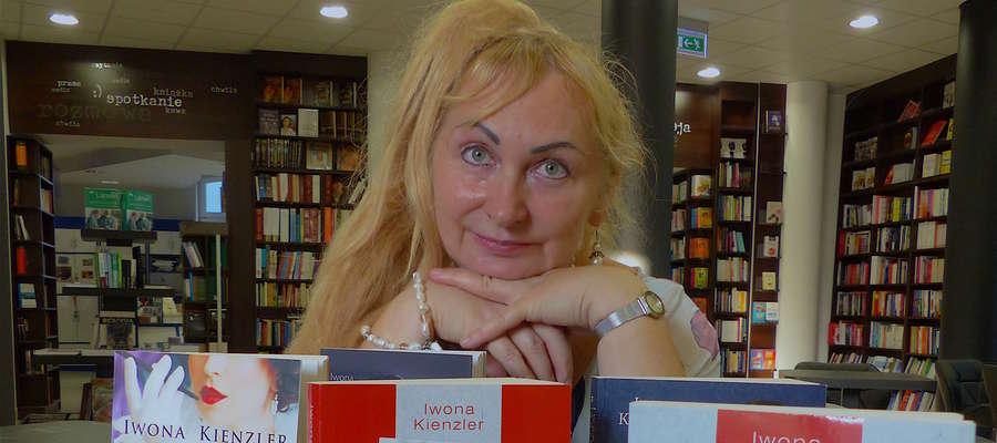 Iwona Kienzler, pisarka