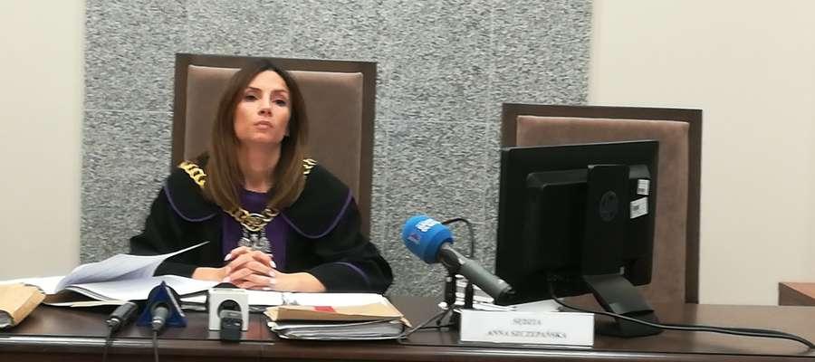 Anna Szczepańska, sędzia Sądu Rejonowego w Olsztynie. Zdjęcie z ogłoszenia wyroku skazującego lekarkę Agatę Sz. na pół roku więzienia w zawieszeniu na dwa lata. 28 września 2018 r.