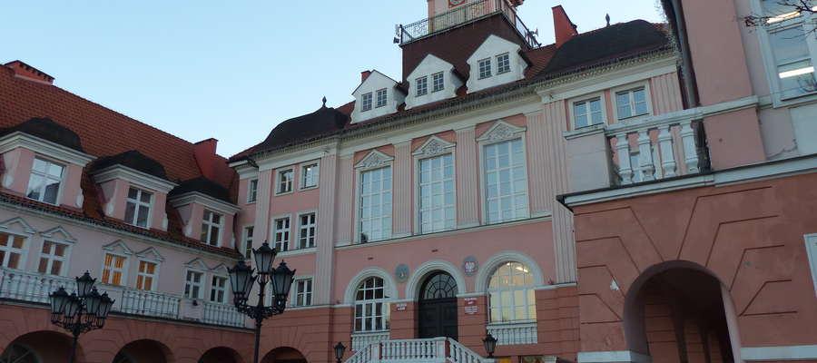 Sesje rady miasta Iława odbywają się aktualnie przeważnie w ostatnie poniedziałki każdego miesiąca w ratuszu