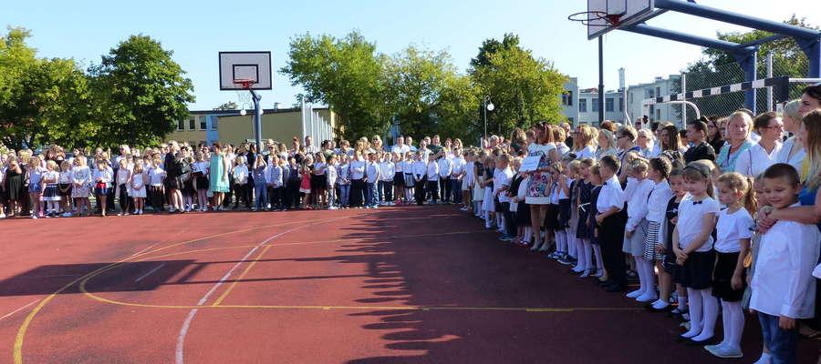 Rozpoczęcie nowego roku szkolnego w SP nr 1 w Piszu