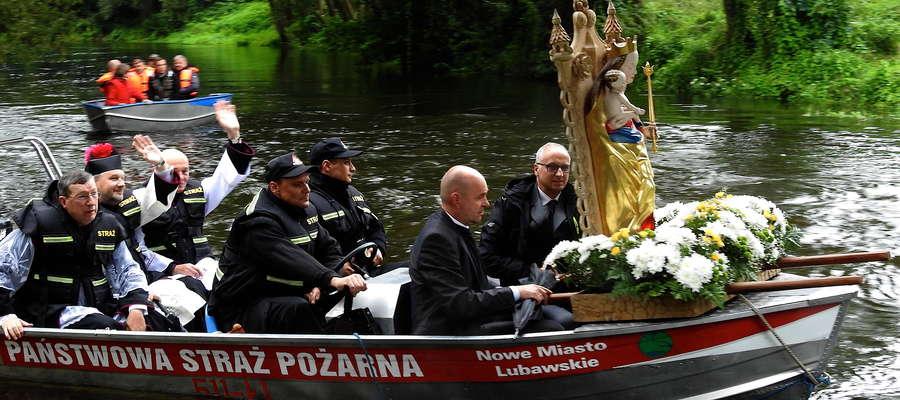 Procesja wodna nurtem Drwęcy do Łąk Bratiańskich