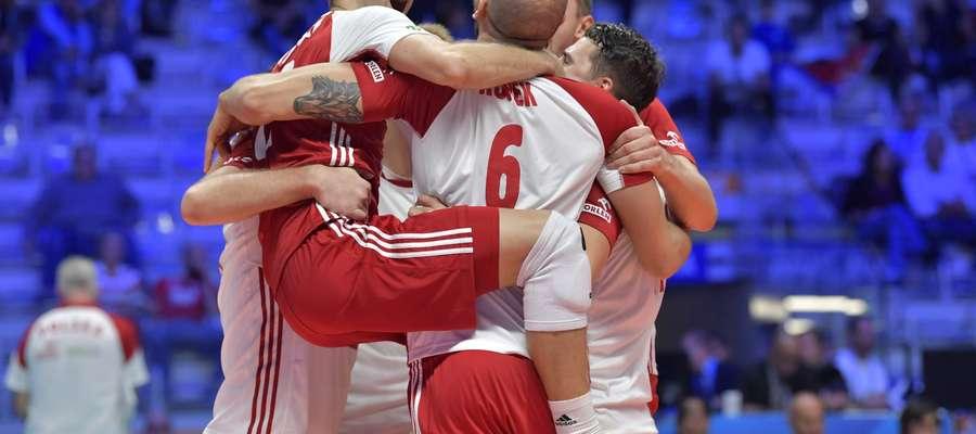 Radość Polaków po drugim już zwycięstwie nad Serbią
