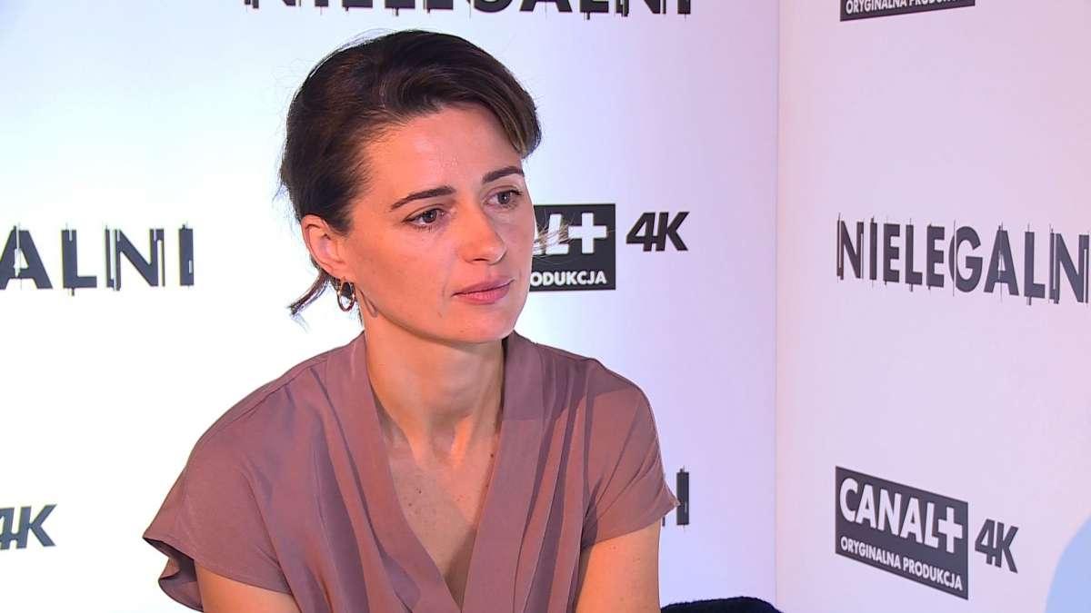 Agnieszka Grochowska: Kobietom łatwiej jest wykonywać zawód aktorki. Mamy dostęp do większego wachlarza emocjonalnego i lepiej znosimy krytykę - full image