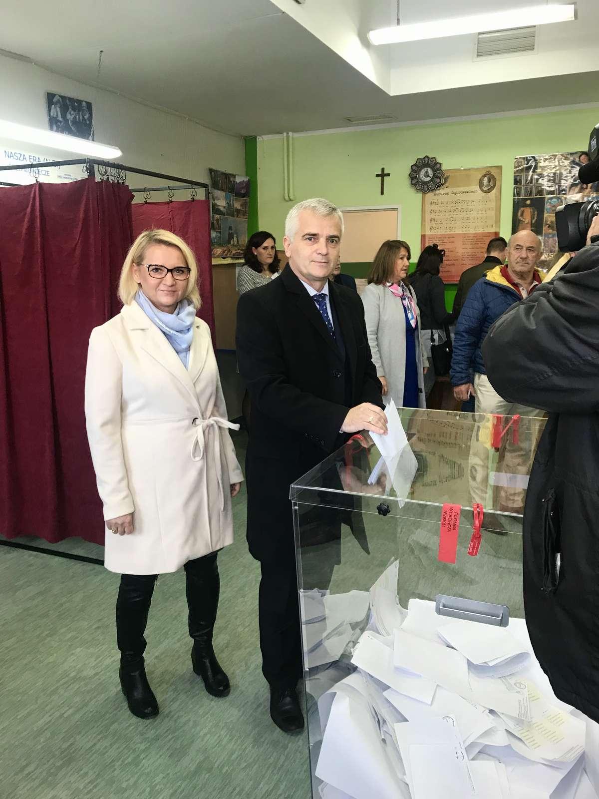 Andrzej Maciejewski głosuje