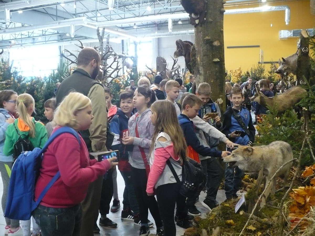 Uczniowie z Zajączkowa oglądali ekspozycje w Ostródzie