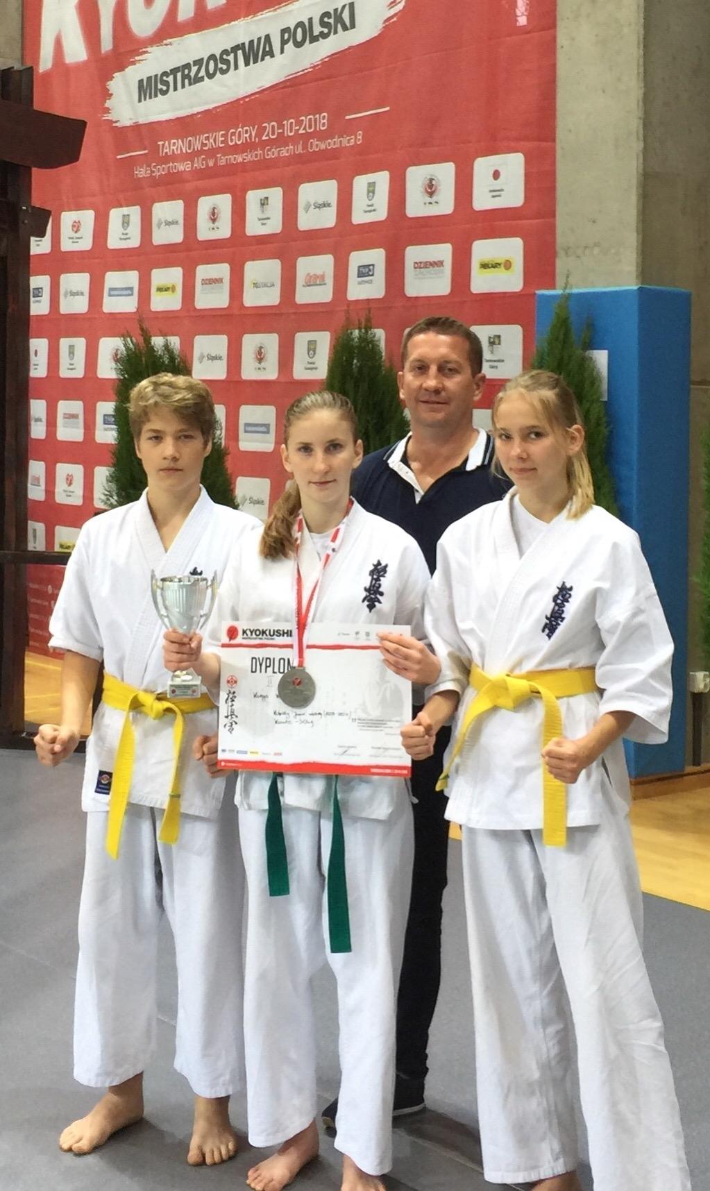 http://m.wm.pl/2018/10/orig/karate-502615.jpg