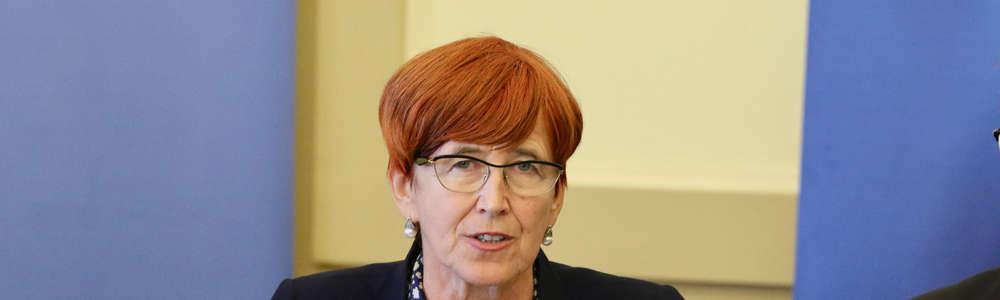 Elżbieta Rafalska: Chcemy, żeby dodatek stażowy nie wliczał się do minimalnego wynagrodzenia [SONDA]
