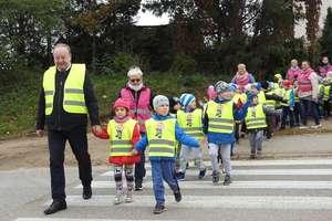 Widoczny uczeń to bezpieczny uczeń - przedszkolaki otrzymały odblaski