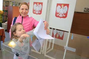 Warmia i Mazury głosują. Olsztyn z trzecią frekwencją wśród polskich miast [RELACJA, AKTUALIZACJA, ZDJĘCIA]