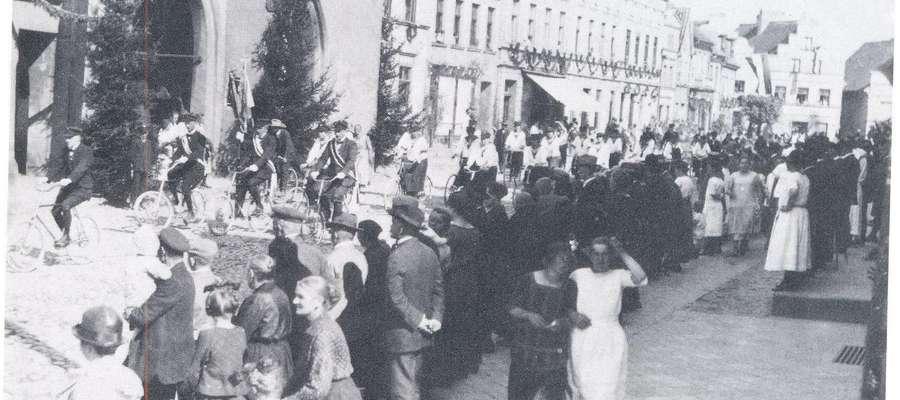 1925 - Jubileusz pasłęckiego rzemiosła, ulica Rynek (obecnie: Chrobrego)