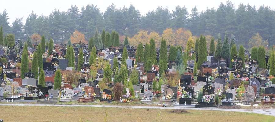 Cmentarz w Dywitach
