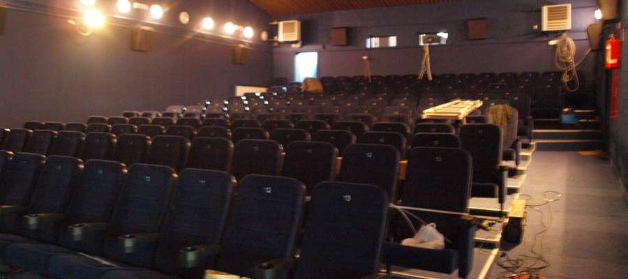 Wnętrze sali kinowej w Żuromińskim Centrum Kultury zmieniło się nie do poznania