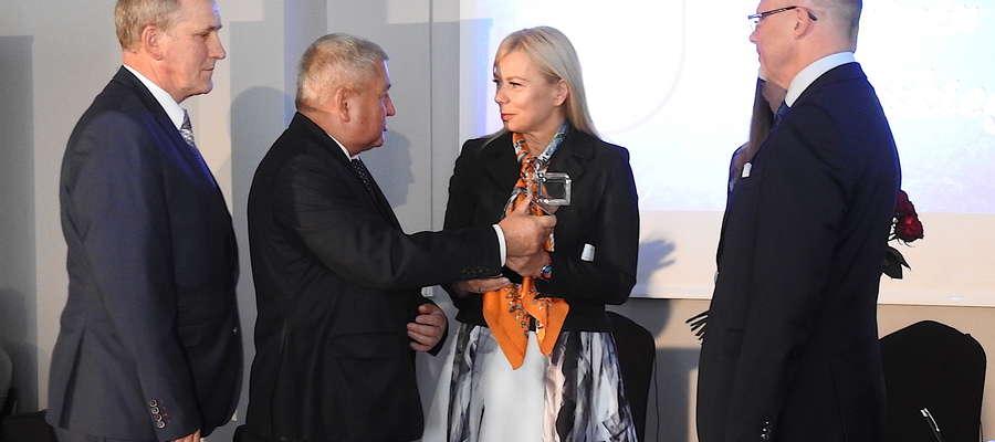 Komisarz UE Elżbieta Bieńkowska otrzymała tytuł Honorowego Obywatela Powiatu Lidzbarskiego
