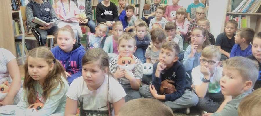 Zasłuchani uczniowie ze szkoły w Biskupcu