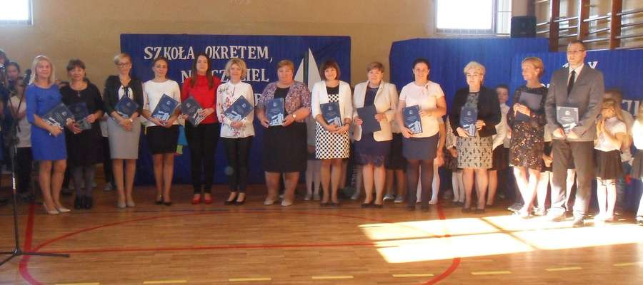 Nagrodzeni z okazji DEN w szkole w Biskupcu