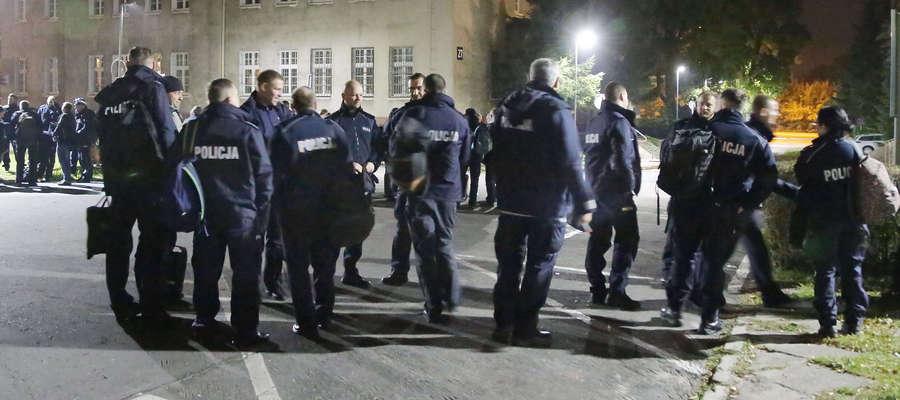 Wyjazd policjantów z Warmii i Mazur na protest do Warszawy
