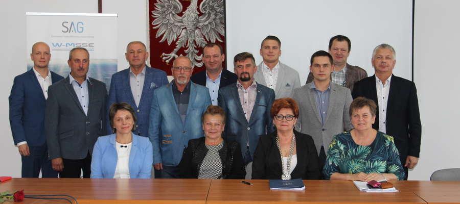 Pamiątkowe zdjęcie z ostatniej sesji Rady Miejskiej w Żurominie