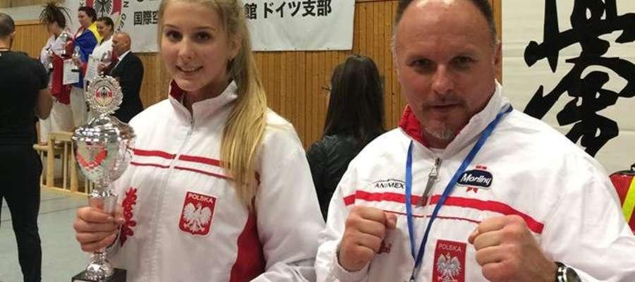 Wiktoria Witkowska i trener Tomasz Gąska wracali z Niemiec w bardzo dobrych nastrojach. Iławianka zdobyła złoto w kat. juniorek
