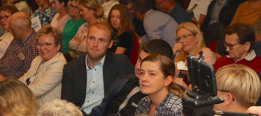 Widzowie na debacie kandydatów na burmistrza Giżycka