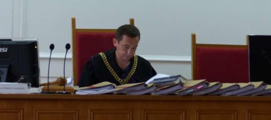 Sędzia Arkadiusz Zmudziński odczytał wyjaśnienia oskarżonych