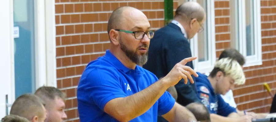 Pod wodzą trenera Karola Adamowicza Jeziorak odniósł w tym sezonie 4 zwycięstwa przy dwóch porażkach