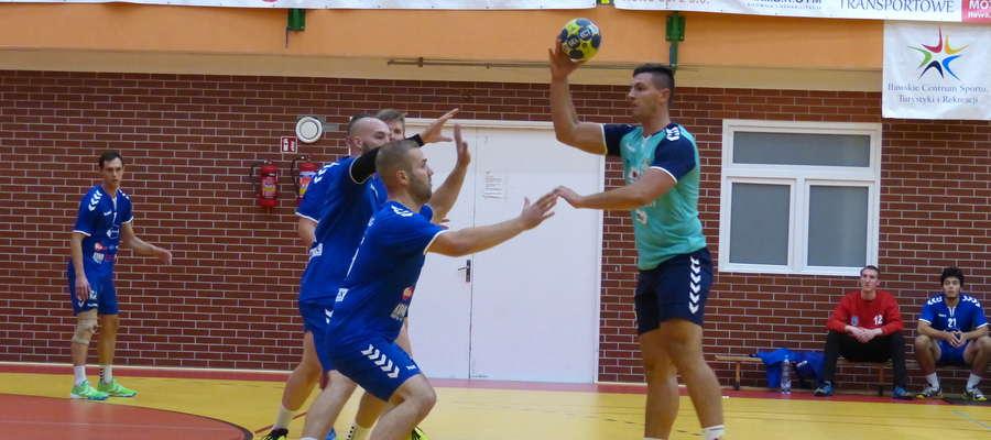 Obrona Jezioraka w trakcie meczu z AZS UKW Bydgoszcz