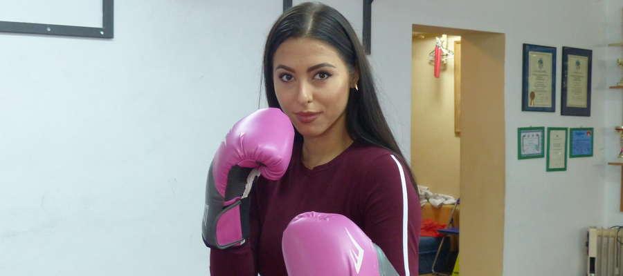 Klaudia Obrębska zaprasza panie na treningi samoobrony, które będą odbywały się w salce gimnastycznej przedszkola miejskiego nr 6 w Iławie
