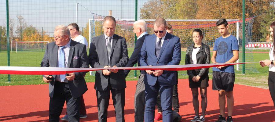 Stadion lekkoatletyczny w Żurominie został uroczyście otwarty