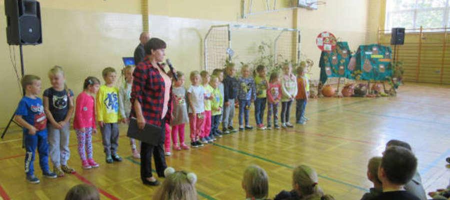 Podczas Święta Pieczonego Ziemniaka w szkole w Łąkorzu