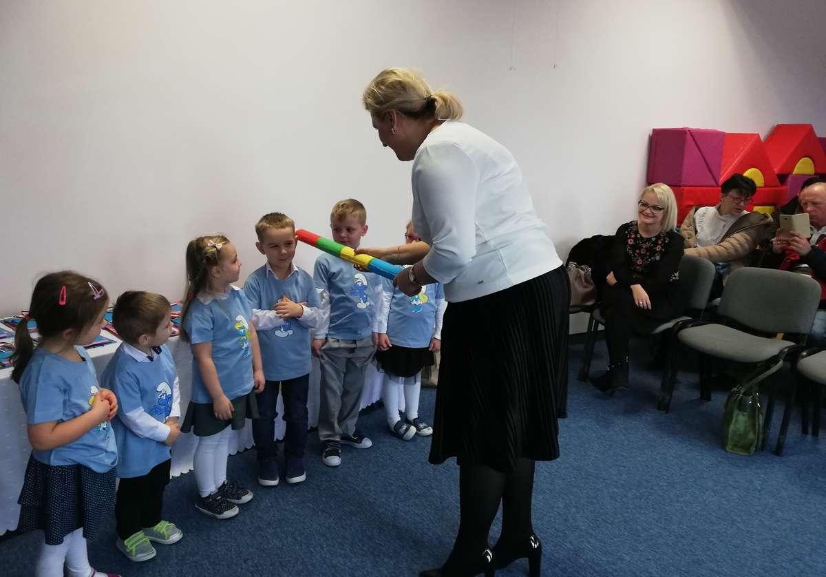Przedszkolaki z Tereszewa podczas uroczystości