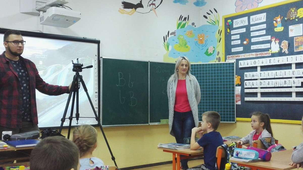 Uczniowie w roli dziennikarzy