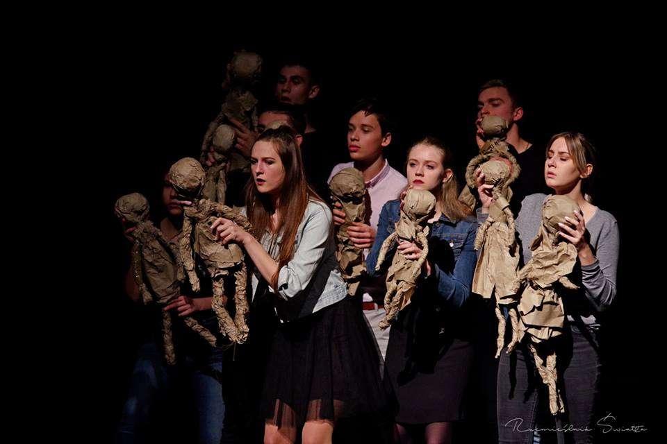 Teatr Nieskromny wrócił do Olsztyna z nieskromną nagrodą - full image