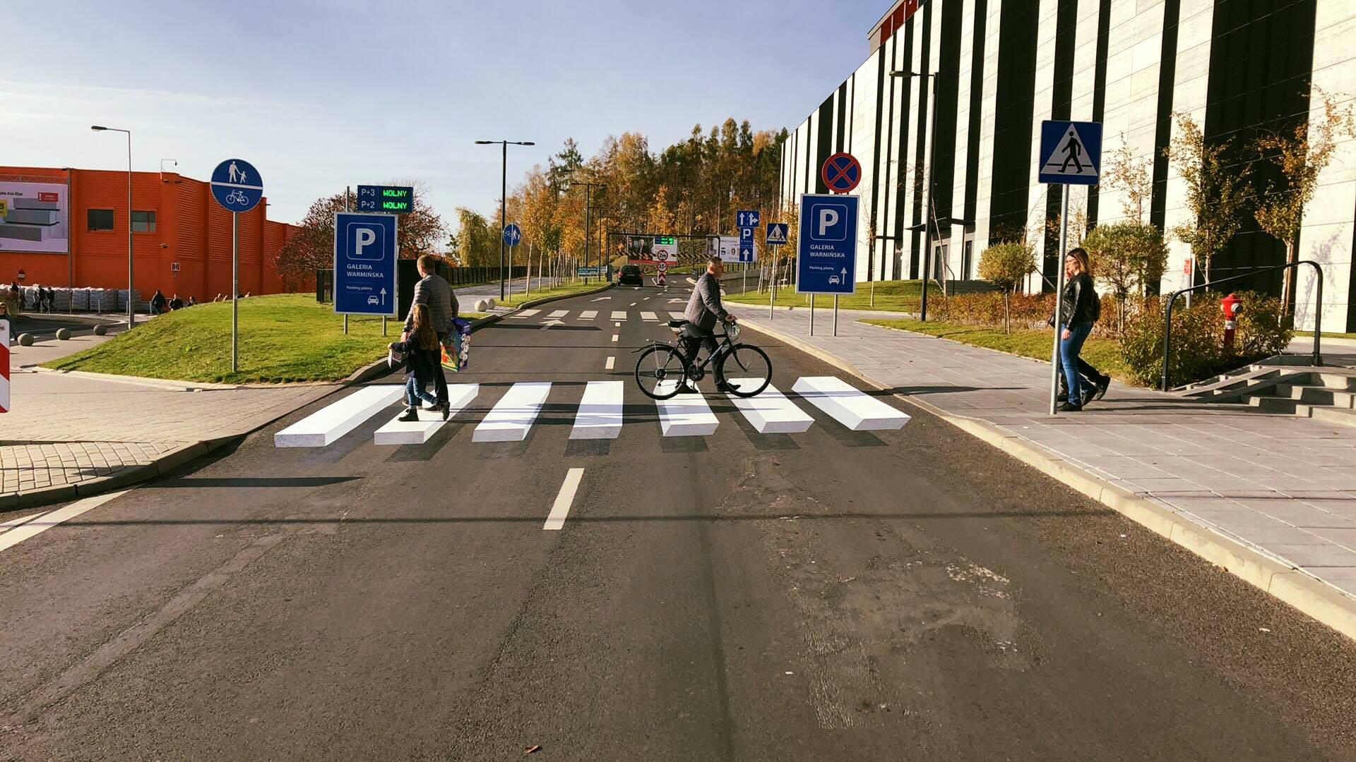 В Ольштыне появились первые 3D полосы на пешеходных переходах