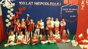 Biel i Czerwień... Bajka lśni kolorami narodowymi