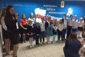 Szkoła w Rumienicy też przyłączyła się do narodowego śpiewania hymnu