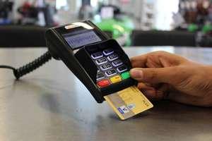 Bank nieodpowiednio poinformował o zmianie opłat? Możesz dostać zwrot pieniędzy