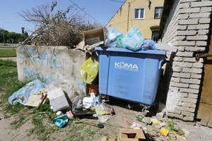 Uwaga. Jest problem ze śmieciami